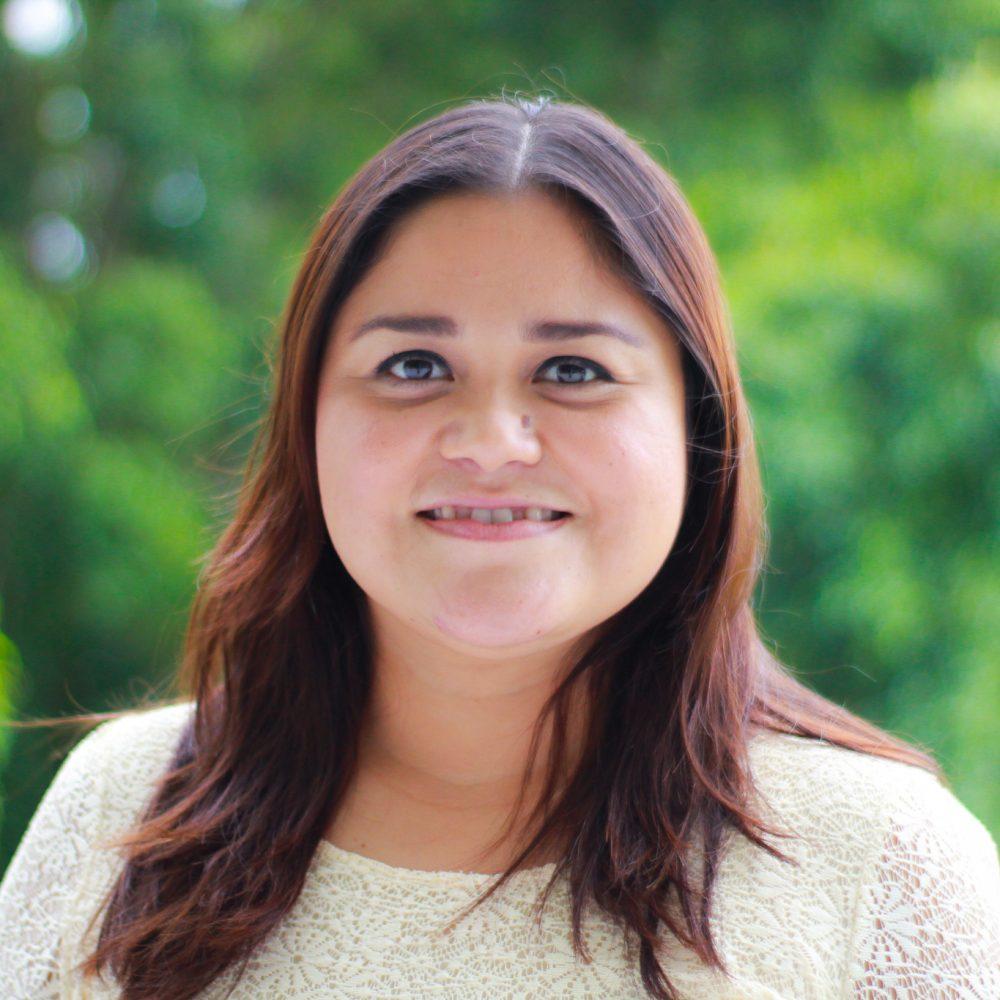 Lizzie Segovia - Asesora